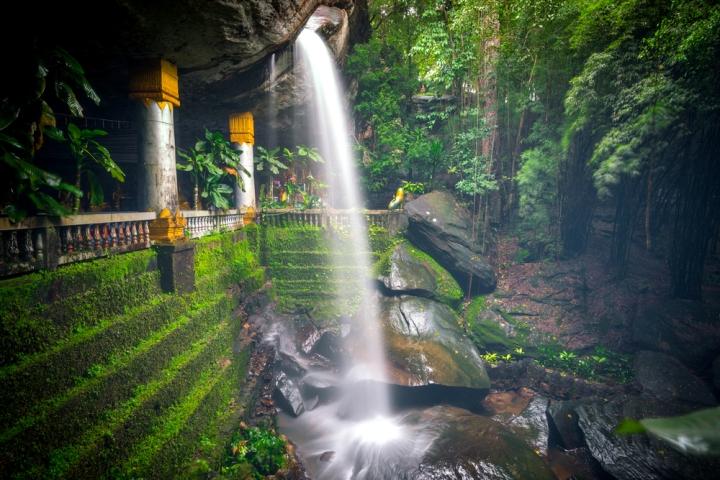 Wat Tham Heo Sin Chai Haewsindhuchai Cave-ubonratchathani-traveloka